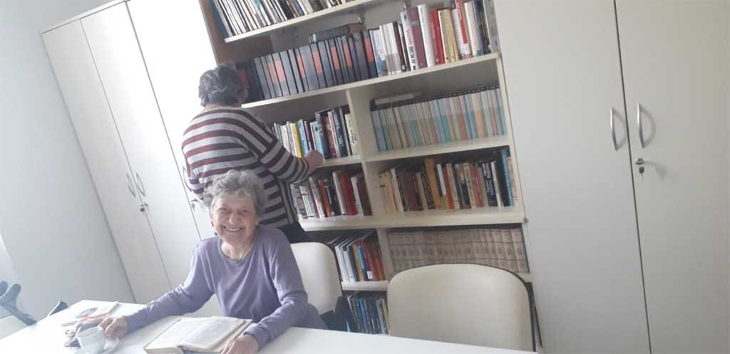 knjižnica u Domu Glina